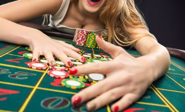 Winnings and Losses at an Online Casino